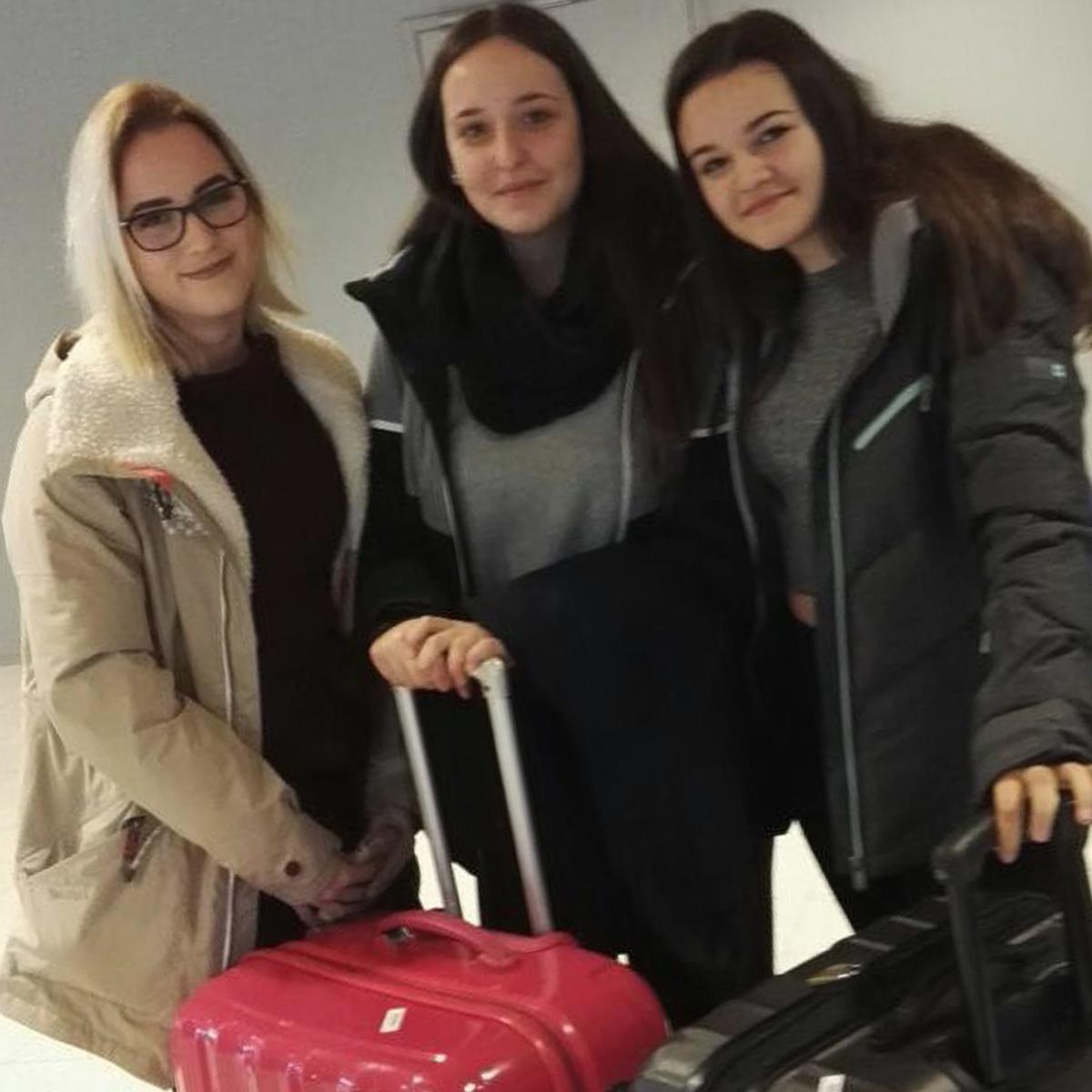 Nora y Mireia visitan nuestra escuela