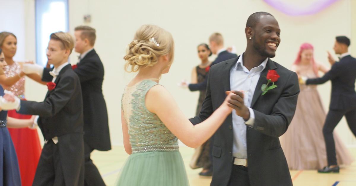 Perho Liiketalousopiston Vanhojen tanssit – Talvitanssiaiset yhdistelmätutkinto kaksoistutkinto