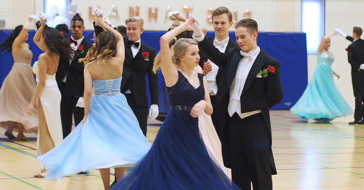 Perho Liiketalousopiston Vanhojen tanssit – Talvitanssiaiset