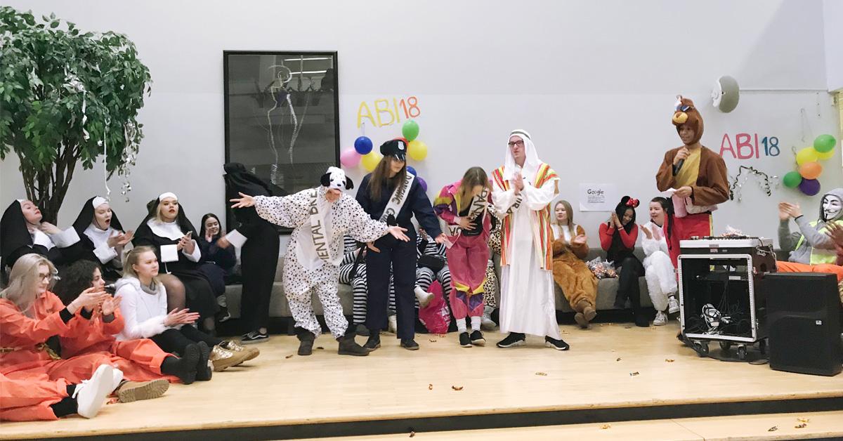 Abit lähtivät ajelemaan – penkkarit to 15.2.2018